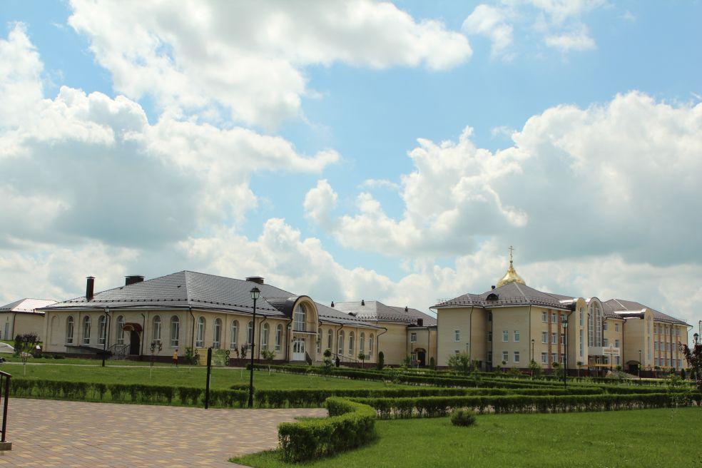 Представители АНО «Славься, Отечество!» посетили Духовно-православный центр «Вятский посад»